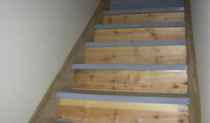 How To Install Carpet On Stairs Diy And Repair Guides