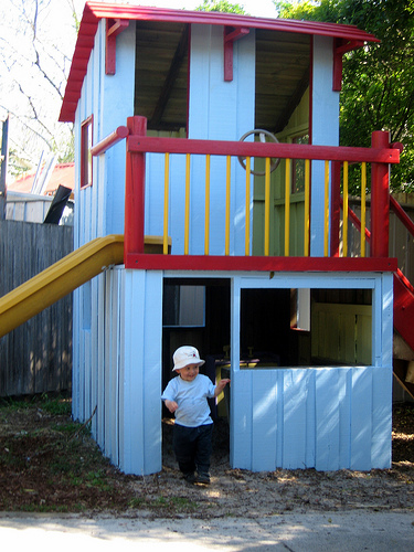 How To Build A Cubby House Diy And Repair Guides